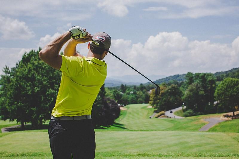 golfeur-de-50-ans