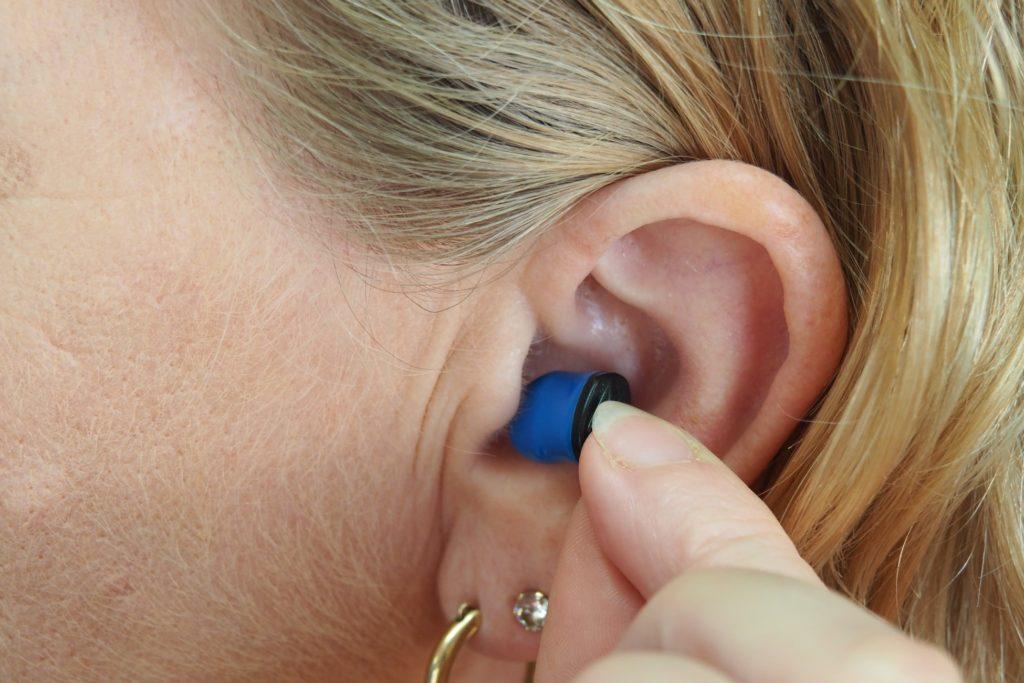 appareil auditif discret